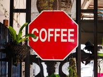 Красные знаки кофе стоковые изображения rf