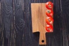 красные зрелые томаты Стоковые Изображения RF