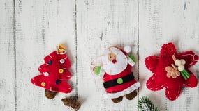 Красные игрушки рождества на белой предпосылке Стоковое Фото