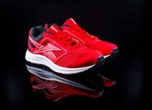красные идущие ботинки Стоковая Фотография RF