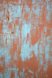 Красные и голубые метки краски на металле стоковое изображение rf