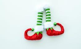 Красные и зеленые ботинки эльфа изолированные на белизне Стоковая Фотография RF