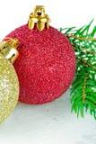 Красные и золотистые baubles рождества стоковые фото