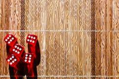 Красные кубы кости Стоковое Изображение