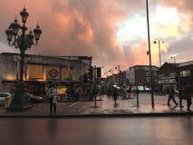 Красные небеса в Tooting Лондон Стоковая Фотография RF