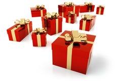 Красные пакеты с золотой лентой Стоковые Изображения