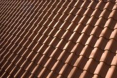 красные плитки крыши Стоковая Фотография