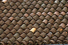 красные плитки крыши Стоковая Фотография RF