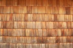 красные плитки подкрашивали деревянной стоковое изображение