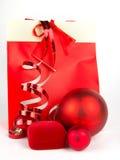 Красные подарки на рождество на белизне Стоковые Изображения RF