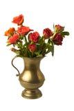Красные розы в кувшине сбора винограда стоковые изображения rf