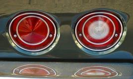 Красные света кабеля классицистического автомобиля Стоковые Изображения RF