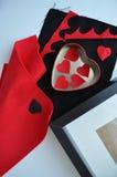 Красные сердца с рамкой в белой предпосылке Стоковые Фотографии RF