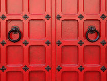 Красные средневековые двери Стоковое фото RF
