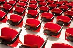 Красные стулы арены Стоковые Изображения