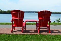 Красные стулья aridondack стоковые изображения