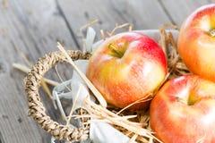 Красные торжественные яблоки Стоковые Изображения