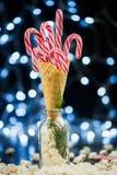 Красные тросточки конфеты в конусе Waffle мороженого Стоковые Фотографии RF
