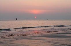 Красные цвета во время захода солнца Стоковые Фотографии RF