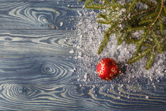 Красные шарики орнамента рождества, украшение ели Стоковые Фото
