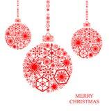 Красные шарики рождества с снежинками на белой предпосылке Holid Стоковая Фотография RF
