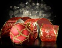Красные шарик и тесемка рождества Стоковое Фото