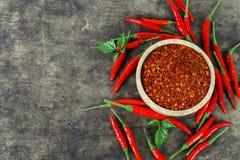 Красные chili и порошок chili Стоковая Фотография RF