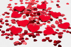 Красные confetti сердец и сердце ткани Стоковые Фото