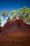 Красные rocs jaune в Roussilon Стоковая Фотография RF
