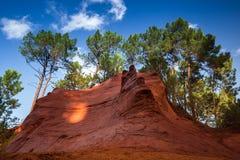 Красные rocs jaune в Roussilon Стоковые Фотографии RF
