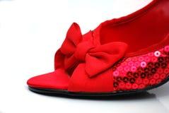красные sequined ботинки Стоковое Фото