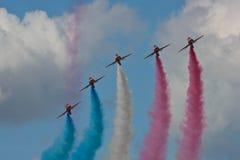 Красный авиапорт RAF авиасалона Fairford команды дисплея аэроплана стрелок стоковые фото