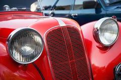 Красный автомобиль ветерана Стоковые Изображения