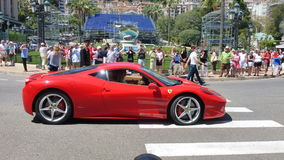 Красный автомобиль. стоковая фотография