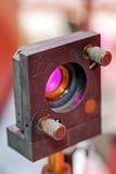 Красный лазер в лаборатории стоковые фото