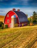 Красный амбар стоковая фотография rf