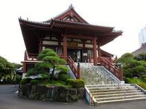 Красный буддийский висок в токио Стоковое Изображение