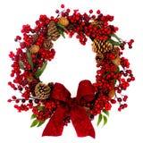 Красный венок конуса ягоды и сосенки с смычком Стоковые Изображения RF