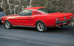 Красный винтажный Ford Мustang 289 Стоковая Фотография