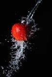 Красный выплеск яблока и воды Стоковая Фотография RF