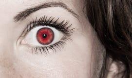 Красный глаз - красивейший, женственно стоковое фото rf