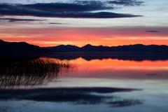 Красный заход солнца на озере Ют Стоковое фото RF