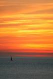 Красный заход солнца в Тоскане, Италии стоковая фотография