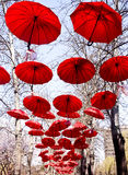 красный зонтик стоковая фотография rf