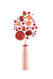 Красный здоровый smoothie ягод в стеклянной бутылке изолированной на белизне Стоковая Фотография RF