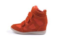 Красный изолированный ботинок женщин Стоковые Фотографии RF