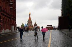 красный квадрат Дождливый день в Москве Стоковая Фотография