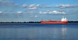Красный корабль на доставке Рекы Detroit Стоковое Фото