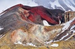 Красный кратер от вблизи внутри национального парка Tongariro, нового Стоковые Изображения