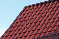 Красный крупный план крыши дома Стоковое фото RF